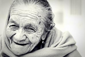 glæde gammel dame